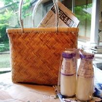 露天風呂付客室のお客様には朝刊と瓶牛乳をお届け♪ 牛乳は近隣の石筵牧場のおいし~い牛乳♪
