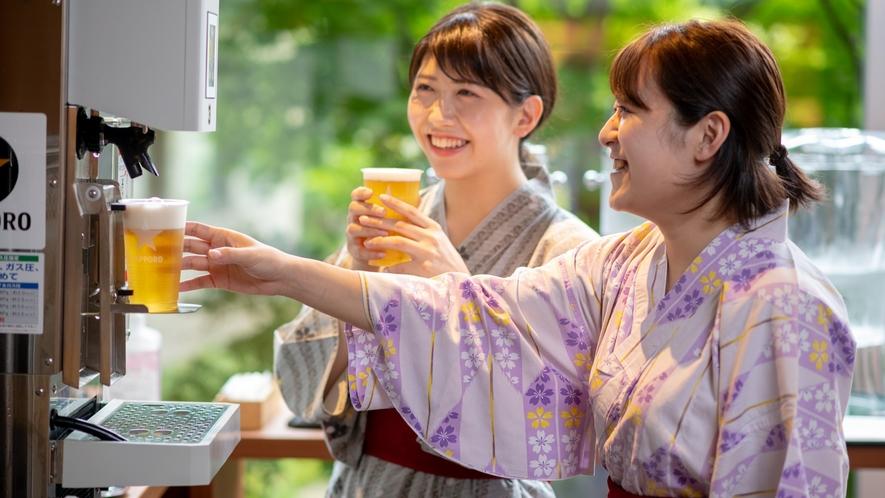 【ラウンジで湯上がり生ビール】