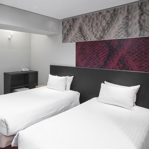 【スタンダード客室(禁煙)、シングルベッド 2 台】