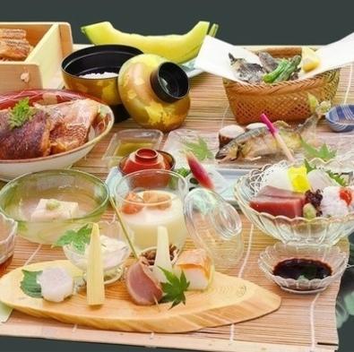 京の舞妓さんとワンラクアップ鯛のアラ煮付「かじかの膳」をご賞味。市内より5℃は涼しい高雄川床で夕涼み
