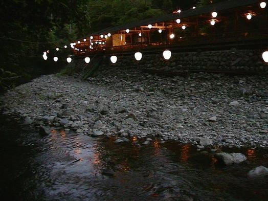 【夏旅セール】暑い京都の夏を涼しさ満喫 板長お勧め<まいこの膳>コ−スでお楽しみ