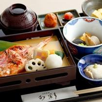 日本料理「旬彩」の和朝食