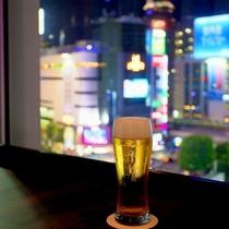 ラウンジ「エスタシオンカフェ」の生ビール
