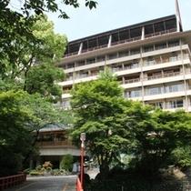 大阪市内から車で30分。日帰りでも宿泊でも、お気軽にご利用ください!