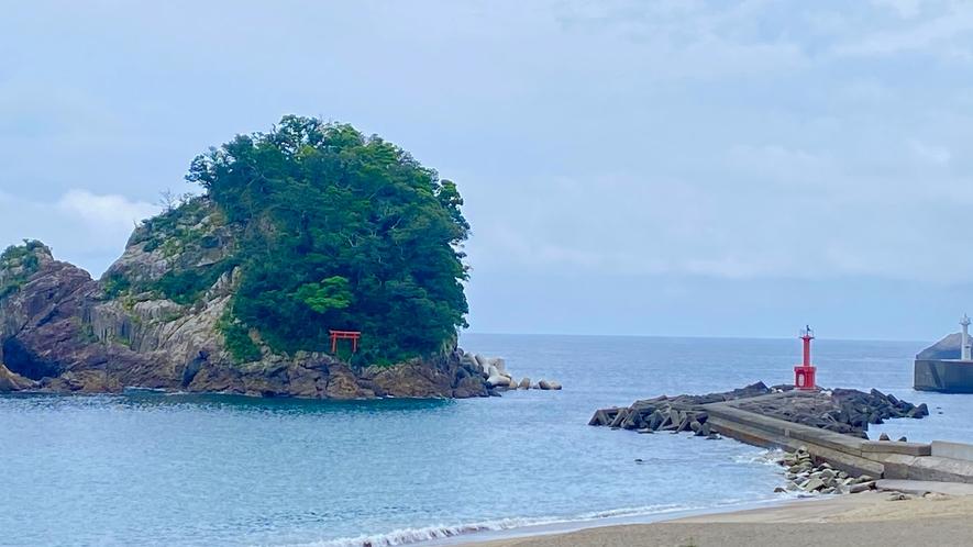 ホテルからの眺望〜立島と神社〜