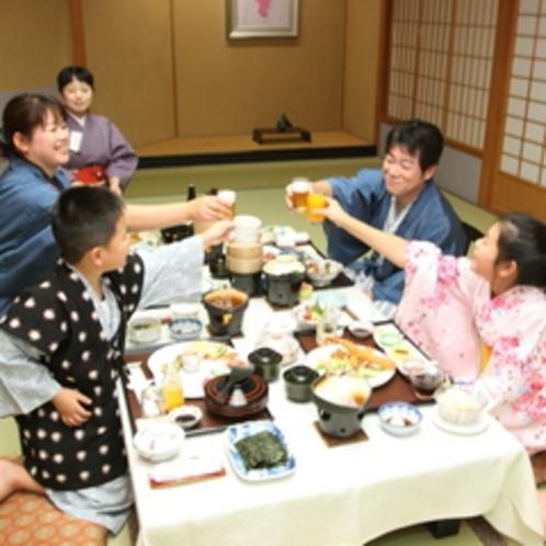 【個室お食事処】ご家族だけで周りに気兼ねなくゆっくりとお食事をお楽しみいただけます。