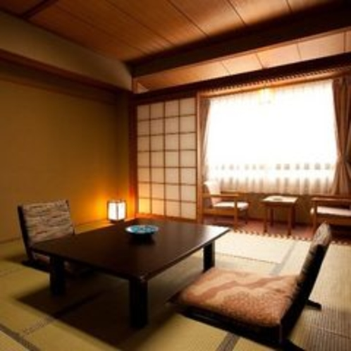 【本館リーズナブル客室(黒部峡谷側)8畳】部屋にお風呂が無い分リーズナブルになっています。