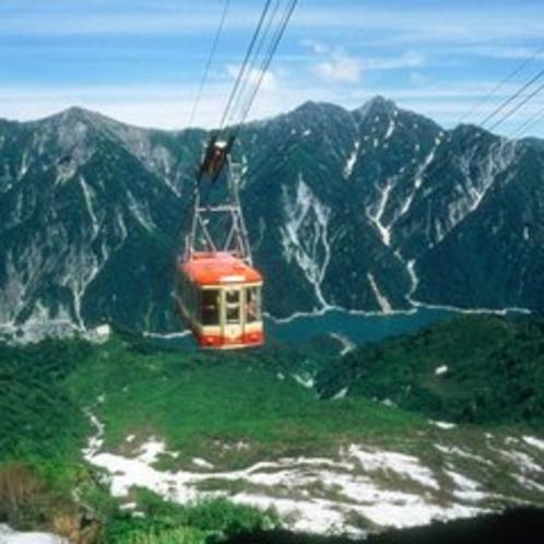【立山黒部アルペンルート】長野県扇沢から富山県立山まで。黒部ダムがあります。(4月中旬~11月末)