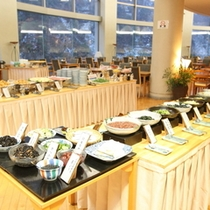 【朝食バイキング】富山の山と海の幸をお腹いっぱいになるまでゆっくりとお召し上がりください。