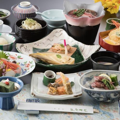 【延対寺荘スタンダードプラン】四季葵会席:食の宝庫富山の幸の美味しさを一層引き出したお料理です。