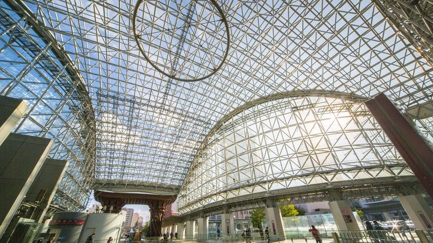 金沢駅 もてなしドーム (写真提供:金沢市)