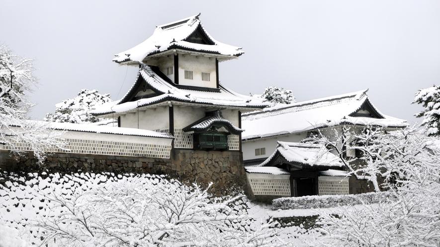金沢城・石川門・冬(写真提供:金沢市)