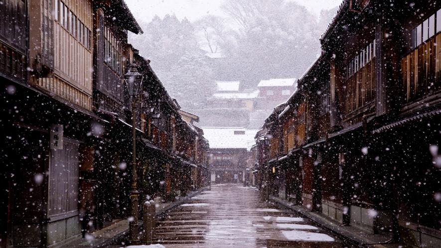 ひがし茶屋街・冬(写真提供:金沢市)