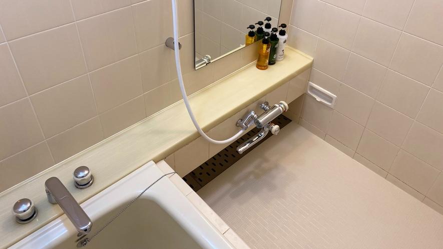 ツインルームC(42㎡)・風呂場