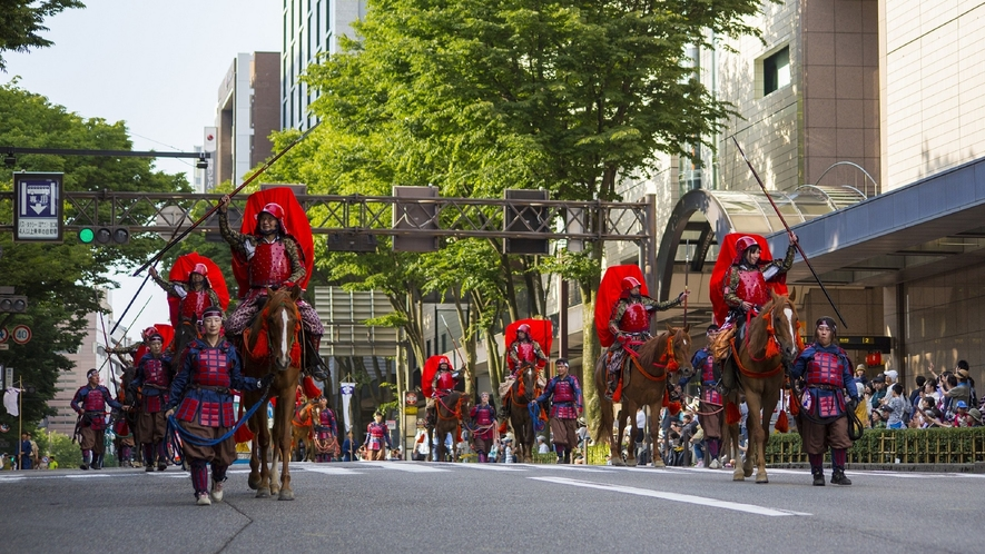 【百万石祭り】百万石祭りのハイライト、百万石行列(6月)(写真提供:金沢市)