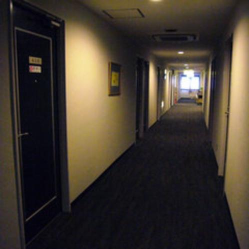 客室廊下(4F)