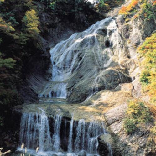 姥ヶ滝(白山白川郷ホワイトロード内)