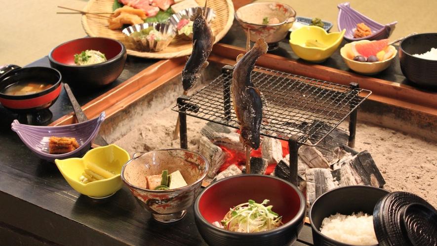 【夕食】白山囲炉裏炭火膳(イメージ)