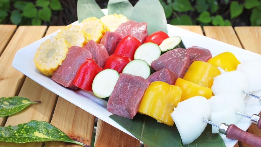 【グランピング】BBQお肉の串盛り合わせ