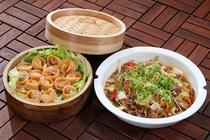 【3月は韓国料理!】プルコギとキムチギョウザをご提供★