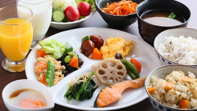 【秋冬旅セール】日替わり夕食&朝食バイキング付♪お得な2食付プラン