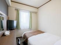 ベッド幅140cm  シングルルーム 12.5㎡