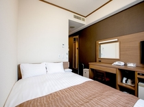 プチダブルルーム 12.5㎡  ベッド幅140cm