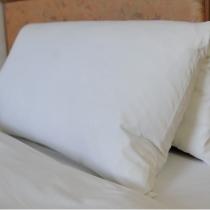 高さ・硬さが自分で調節可能な大人気の「折りたたみ枕」
