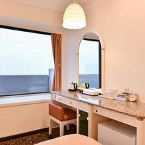*【ツインルーム】上層階からは神戸の街並みの景色をお楽しみいただけます。