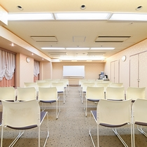 *【会議室】1人1時間300円~という価格が魅力です。