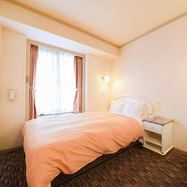 *【セミダブル】16平米。ベッド幅120cm。