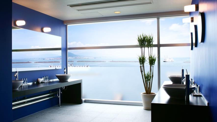 天然温泉「瑠璃温泉 るりの湯」男性脱衣スペース