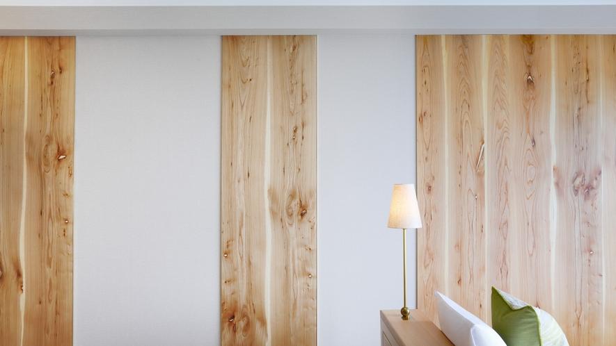 スーペリアフロア『Natura(ナチュラ)』 木材を使った壁のアート