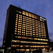 夜の釧路プリンスホテル