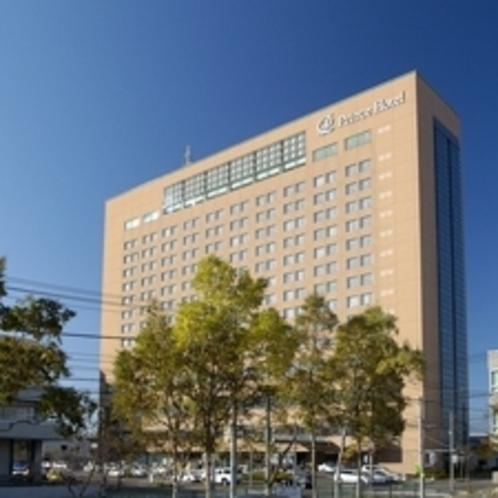 17階建て400室の高層ホテルです