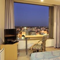 高層階 シングルルーム(夜イメージ)
