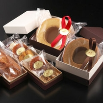ホテルパティシエ特製の焼き菓子も販売しております