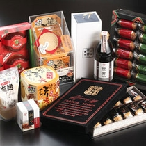 お土産をお探しの際は、リトルパレットへ♪大分銘菓各種、取り揃えております!