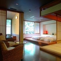 【六庄庵201 川】開放的なベッドルームに注ぎ込む朝日が心地よい目覚めをもたらします。