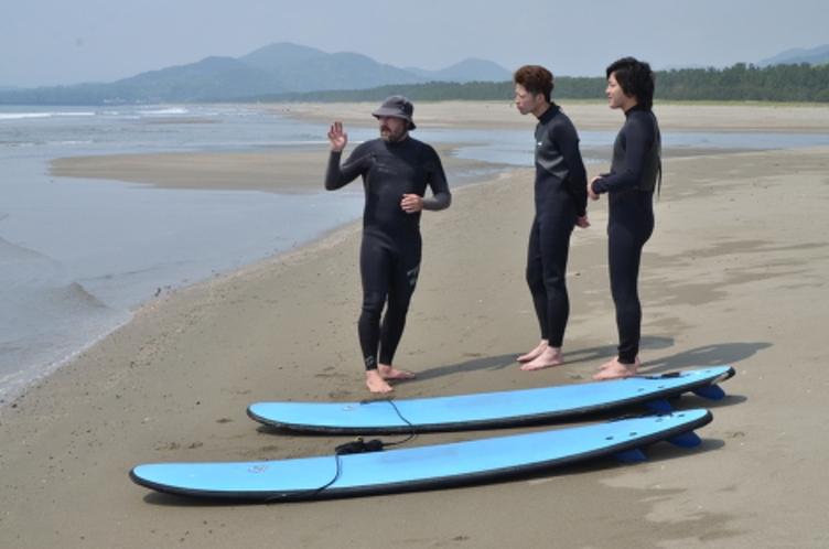 手ぶらでサーフィン!オーストラリア人Bruceのサーフィンスクール