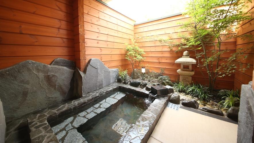 ログコテージ 露天風呂例