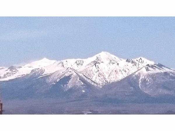 残雪残る十勝岳