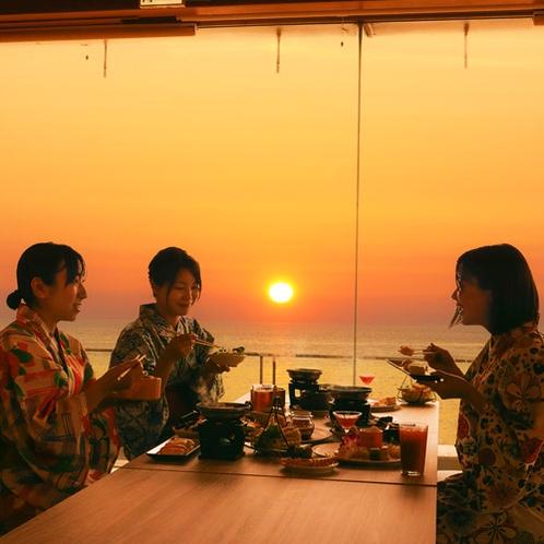 夕刻のレストラン