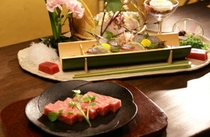 お魚(刺身)、お肉のコースがお選び頂けます。お1人様からでも変更可能です。