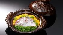 鯛の土鍋御飯 ※北の丸料理イメージ 夏