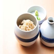 料理長自ら打つ、源泉で打った蕎麦。