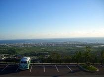 ワーゲンバスとエメラルドの展望台