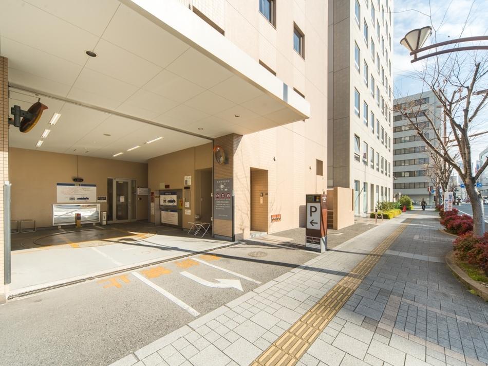 ホテル立体駐車場(先着順・有料)