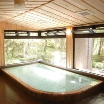 【浴場】木の香りが心地よいお風呂で疲れをリフレッシュ