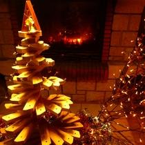 【館内一例】木で出来たクリスマスツリー